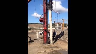 Забивка свай(На видео можно посмотреть как происходит забивка пробных свай для дальнейшего их испытания динамической..., 2014-09-12T02:34:47.000Z)