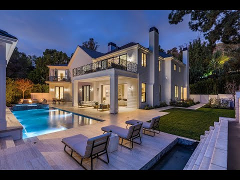9520 Hidden Valley Road | Beverly Hills Post Office