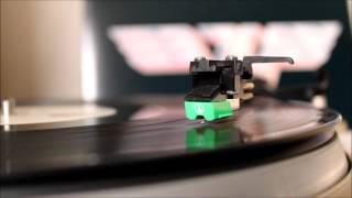 Van Halen - Somebody Get Me A Doctor (1979 vinyl rip / Audio-Technica AT95E)