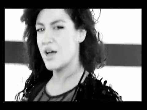 Tugba EKİNCİ ft Nazan ÖNCEL - Yanma Demezler - 2o1o Yepyeni Sarkı