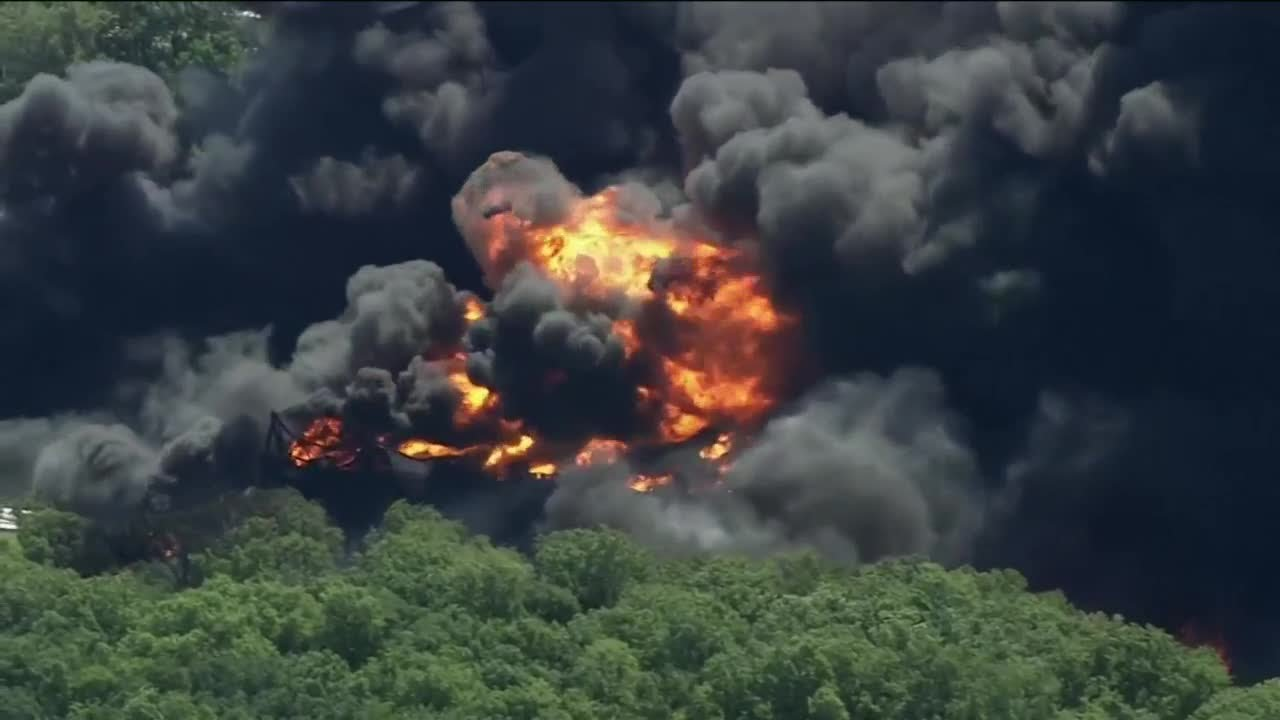 A massive fire destroyed a chemical plant in Rockton, Illinois. It ...