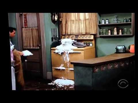 I Love Lucy ( in color)- Ricky & Fred Kitchen Disaster