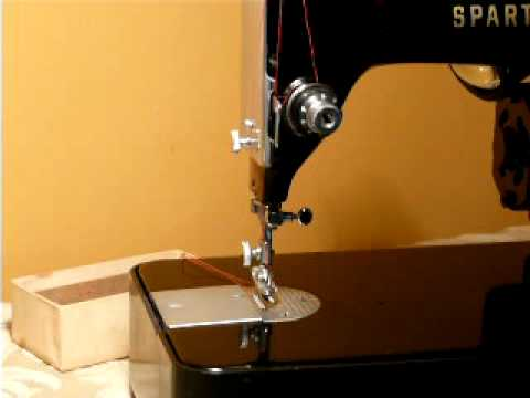 VINTAGE CUTE LITTLE SINGER SPARTAN 40K SEWING MACHINE YouTube Enchanting 1960 Singer Spartan Sewing Machine Model 192k