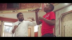 Fr Emmanuel Musongo avec sons élève richca dans cover live medley mon cœur t'adore culte