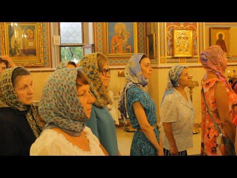 Преосвященнейший Герман возглавил всенощное бдение и чин присоединения к Православной Церкви
