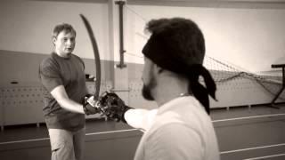 Урок фехтования - www.emozzi.ua(http://www.emozzi.com.ua/products/master-class-fencing-kyiv/ Арт-фехтование - это не просто спортивное хобби, это сочетание театра,..., 2013-11-26T08:52:36.000Z)