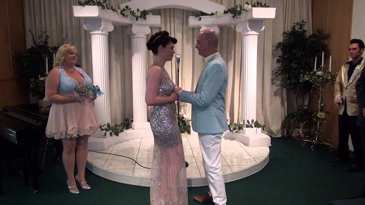 Malcolm Zoe Las Vegas Elvis Wedding At A Chapel On 09 02 13