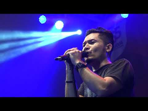 BXc MALL - CHEERFUL FESTIVAL ANDRA AND THE BACKBONE (SONG: SEPERTI HIDUP KEMBALI) 22 JULY 2017
