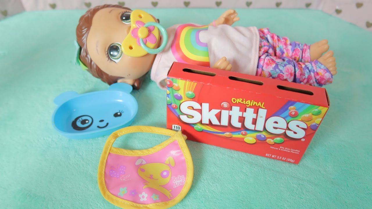 BABY ALIVE SNACKIN LILLY Skittles Candy Feeding//Baby Alive Feeding Shows
