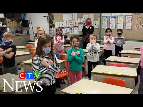 Sask. teacher shows students how to sign O Canada