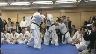 2009年3月29日(日) Ichigeki Plaza ・アルトゥール参段、百人組手を完...