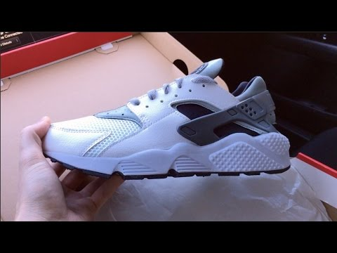 nike huarache wolf gray and white