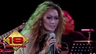 Inul Daratista - Di Kocok Kocok   (Live Konser Kediri 16 Agustus 2006)