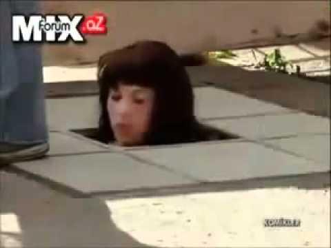 מצלמה ניסתרת - הראש של הבובה נופל