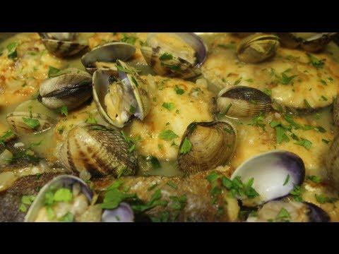Receta merluza con almejas en salsa verde recetas de for Como preparar almejas en salsa