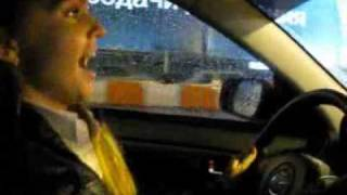 Марина Девятова - водитель-ас, поет даже за рулем