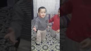 ikizlerin babasının çağırma kavgası Video