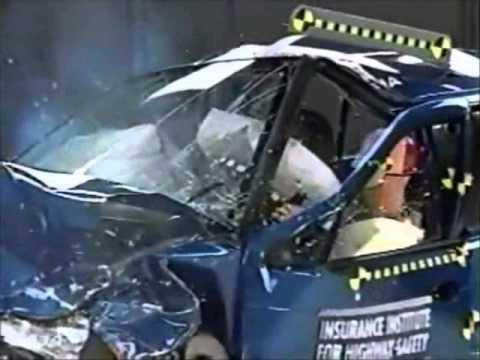 81 IIHS Crash Test 1997, 1998 Kia Sephia