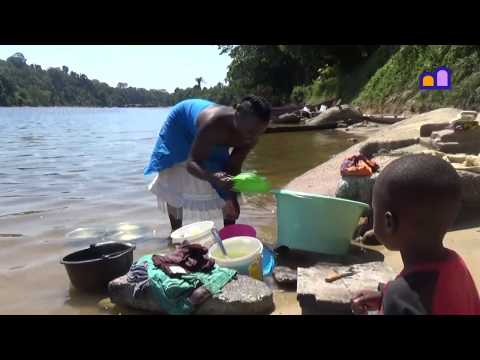 Suriname - Life near the river