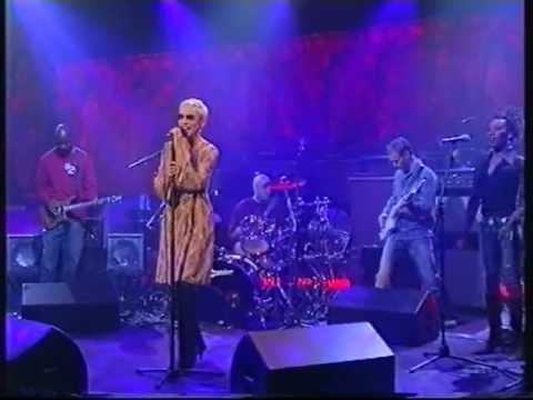 Annie Lennox  Little Bird  on Parkinson 2003