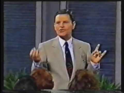 Preachers Using Satanic Hand Signs 101 Youtube