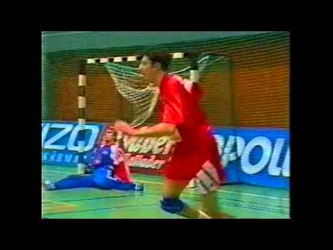 Basic Handball skills Travel Video