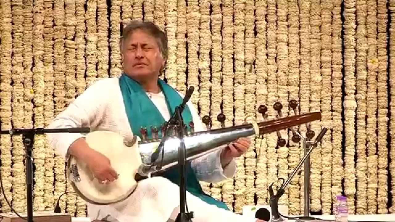 Sarod Virtuoso Amjad Ali Khan| Singing Sarod | Raga Charukeshi | New Delhi | 27th March, 2014