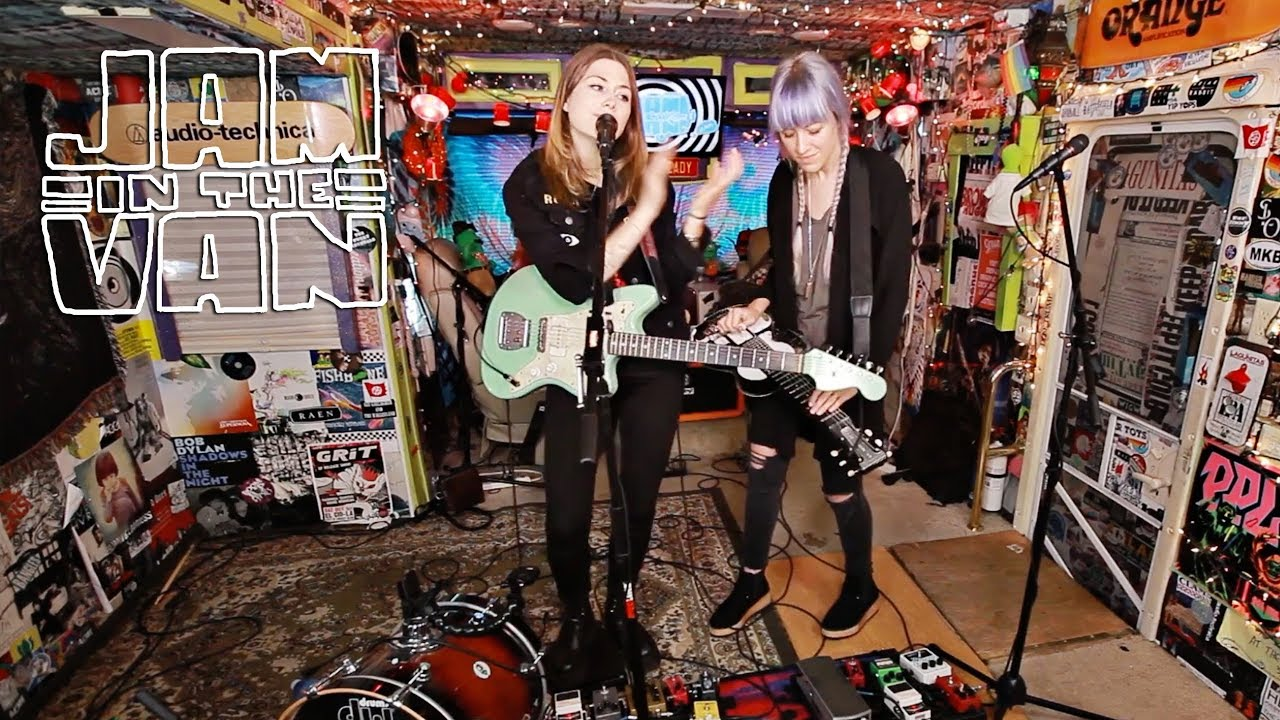 larkin-poe-come-on-in-my-kitchen-live-at-jitv-hq-in-los-angeles-ca-2017-jaminthevan-jam-in-the-van