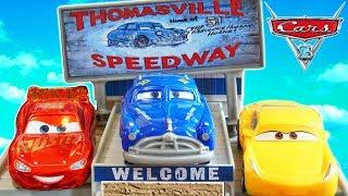 DISNEY CARS 3 THOMASVILLE SPEEDWAY SMOKEY DOC HUDSON STORY SET RACE TRACK PLAYSET MCQUEEN VS CRUZ