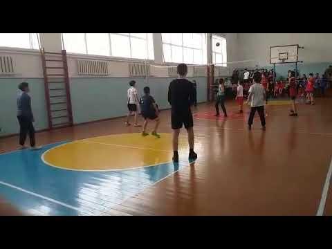 Соревнования по волейболу среди 7-8 классов (победа за нами)