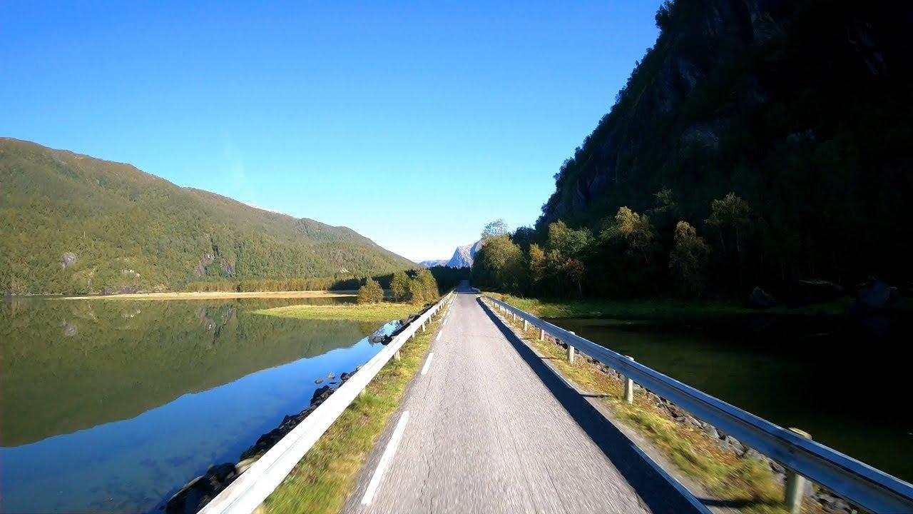 Kayaking trip to Nordfjord in Sørfold
