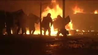 18.02.14 - В центре Киева идет настоящая война... Взорвали БТР