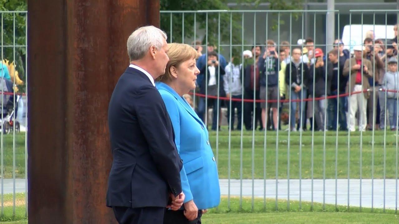 Меркель снова трясёт