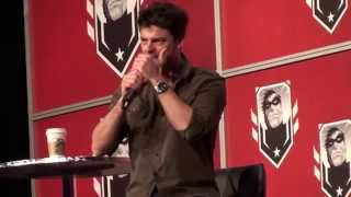 "Karl Urban ""Ma-Ma is not the law. I am the Law!"" Le Montreal ComicCon 2014"