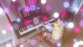 Aurora play piano