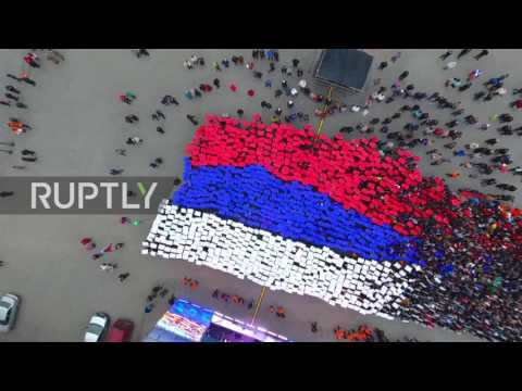 Russia: Hundreds form Russian 'living flag' on 3rd anniversary of Crimea's reunification