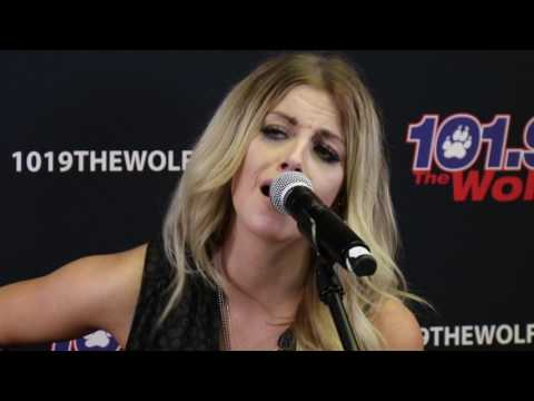 """Lindsay Ell with Chase Bryant """"Waiting On You"""""""