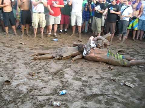 "2009 ACL Ben Harper ""Mud Crew"""