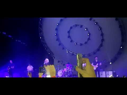 Paramore - Hate To See Your Heart Break live @ The O2 Arena, London 2018