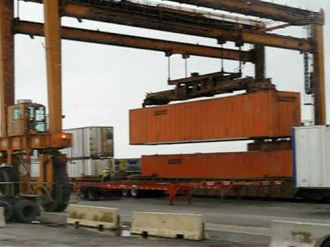 CSX intermodal Train Loading
