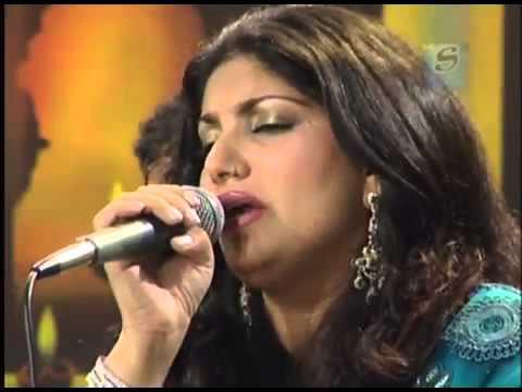 Tu Mila To Mujhe Aisi Janat Mili   Saira Naseem sings through her eyes
