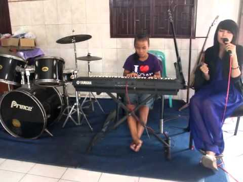 Seribu Lilin & HoLy NiGht Cover Nita Sinaga feat Riska Siringo-ringo