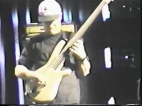 Gary Willis - Big Wave (Tribal Tech) - Bass Solo