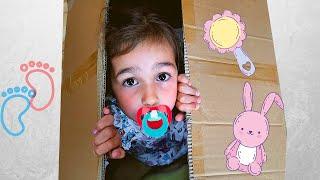 Алиса учит и показывает правила поведения для детей