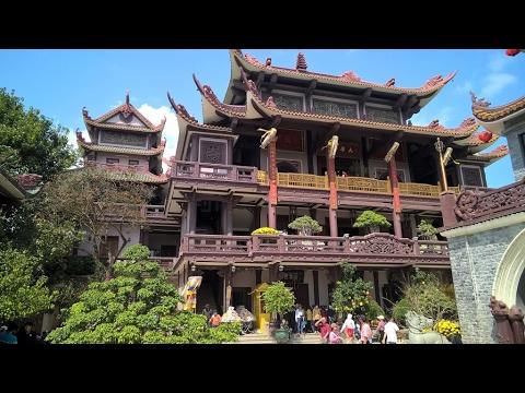 Quang cảnh Chùa Thiên Hưng,một ngôi chùa nổi tiếng Bình Định
