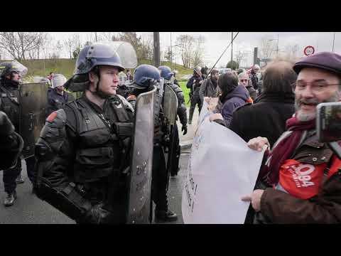 Gilets jaunes et syndicats perturbent un déplacement de Macron (9 janvier 2019, Créteil, France)