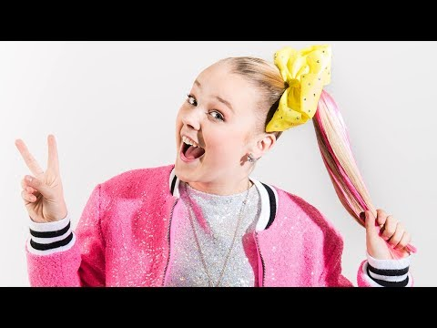 JoJo Siwa Talks D.R.E.A.M. Tour & Fan Girls Over Ariana Grande & Gwen Stefani | Hollywoodlife