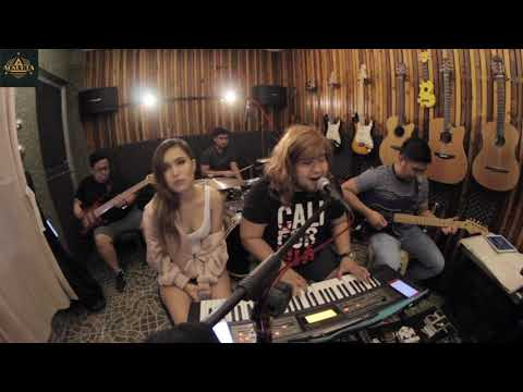 Kathang Isip | (c) Ben&Ben | #AgsuntaSongRequests ft. Emmanuelle Vera