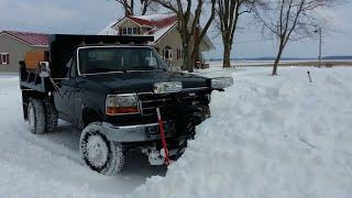 F350 Dump Truck Plowing snow