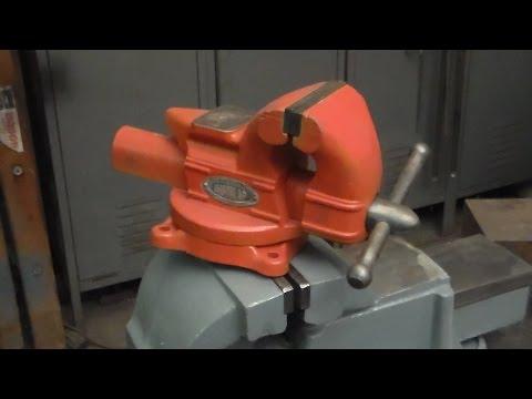 Restoring a Dunlap bench vise